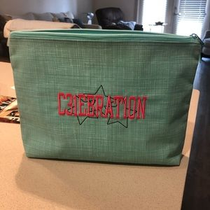 Thirty One Zipper Pouch Turquoise Crosshatch EUC